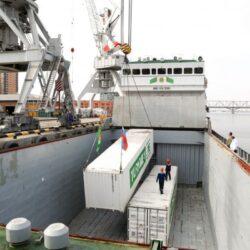 В Астрахань доставили гуманитарную помощь из Туркменистана